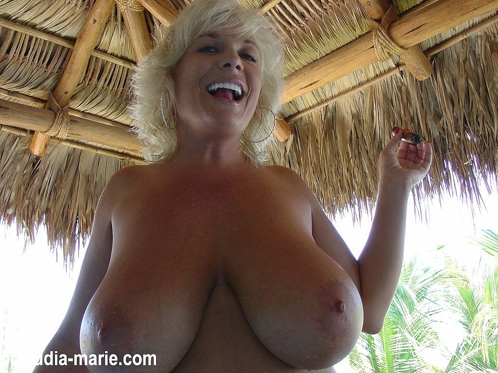 image Hanging boobs she shakes her nice tits out her blouse